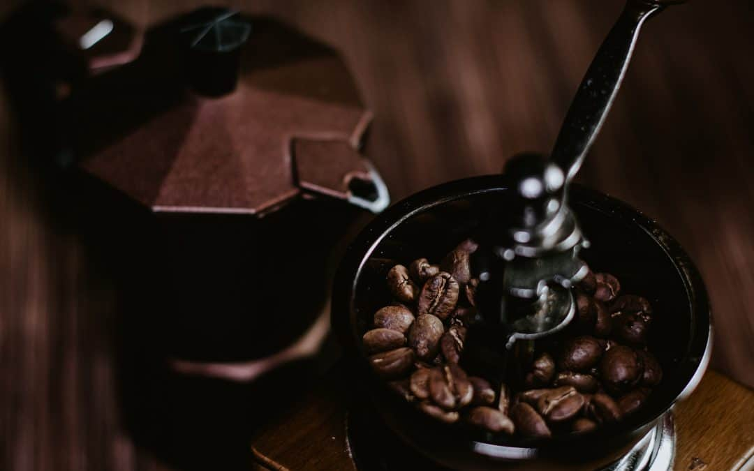 How To Use A Manual Coffee Grinder